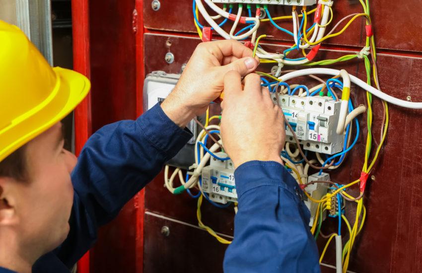 À quelle fréquence vérifiez-vous l'électricité de votre maison?